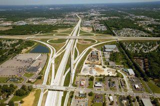 1280px-US_131,_M-6,_68th_St_interchange